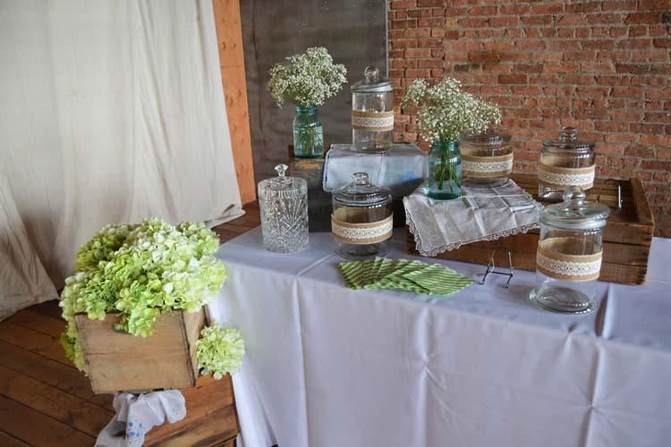 Ceremony & Reception Wedding Flowers 11