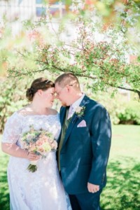 Flowers by Marry Me Floral, McHenry, for Angie & Matt's 2017 wedding at Byron Colby Barn in Grayslake, IL.