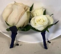 marry-me-floral-wedding-boutonnieres-white-lincolnshire-il