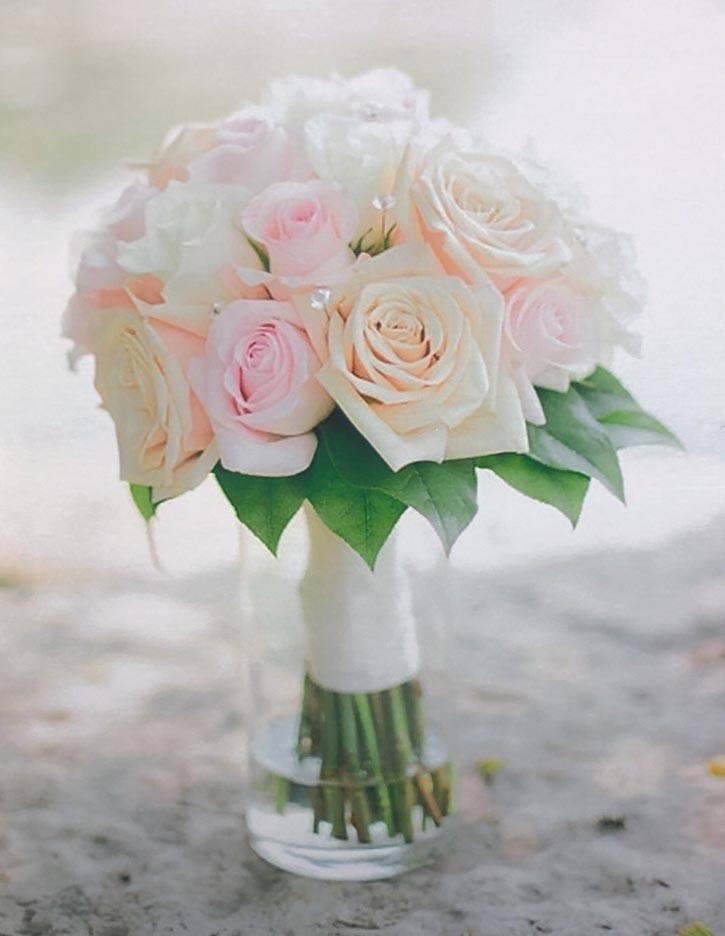 Katie elegant collection bride bouquetKatie elegant collection bride bouquet